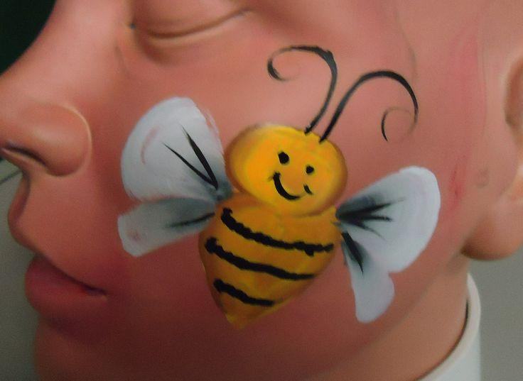 die besten 25 biene schminken ideen auf pinterest biene schminken augen als biene schminken. Black Bedroom Furniture Sets. Home Design Ideas