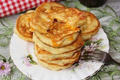 Di gotuje: Puszyste placki kukurydziane z żółtym serem (bez g...