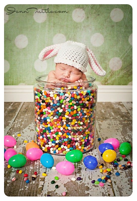 Adorable Easter photo shoot idea for your newborn.