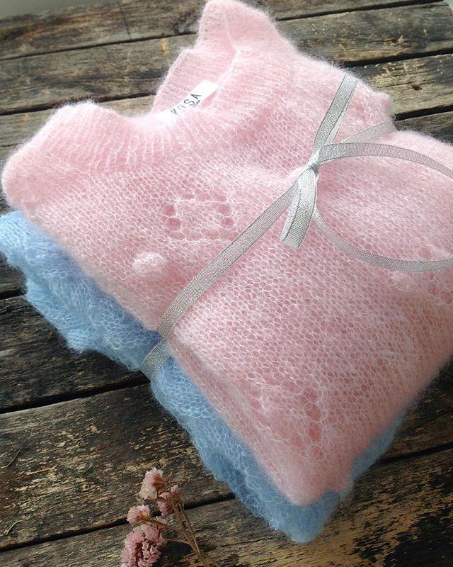 Доброе утро! Пусть ваша пятница будет такой же лёгкой, как эти воздушные свитерки Pink&Blue💖💎💭🌟 #kosaknitwear  #knitwear #online #shop #wear streetstyle #vscocam  #instadaily  #bloggerstyle #одежда #свитер #вязание #girl #beauty #fashion #вязаниеназаказ #вязаныйсвитер #knits #knitting #knitted #вязаныйкардиган #кардиган #куражбазар #vsisvoi #inspiration #киев #kyiv #madeinukraine #пушистыйсвитер