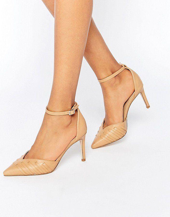 """Pin for Later: Diese 16 Schuhe mit V-Ausschnitt verleihen allen lange Beine  Asos """"Spellbound"""" Nude-farbene Schuhe mit V-Ausschnitt (43 €)"""