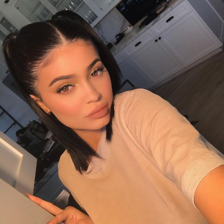 """1.4m Likes, 34.1k Comments - Kylie (@kyliejenner) on Instagram: """"mint green eyes using Mojito from the Royal Peach Palette & my new Birthday Suit Matte Lipstick…"""""""