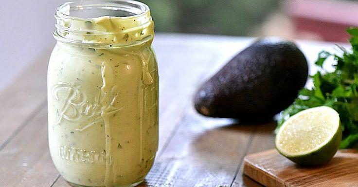 Krémový avokádový dresing k masu i zelenině