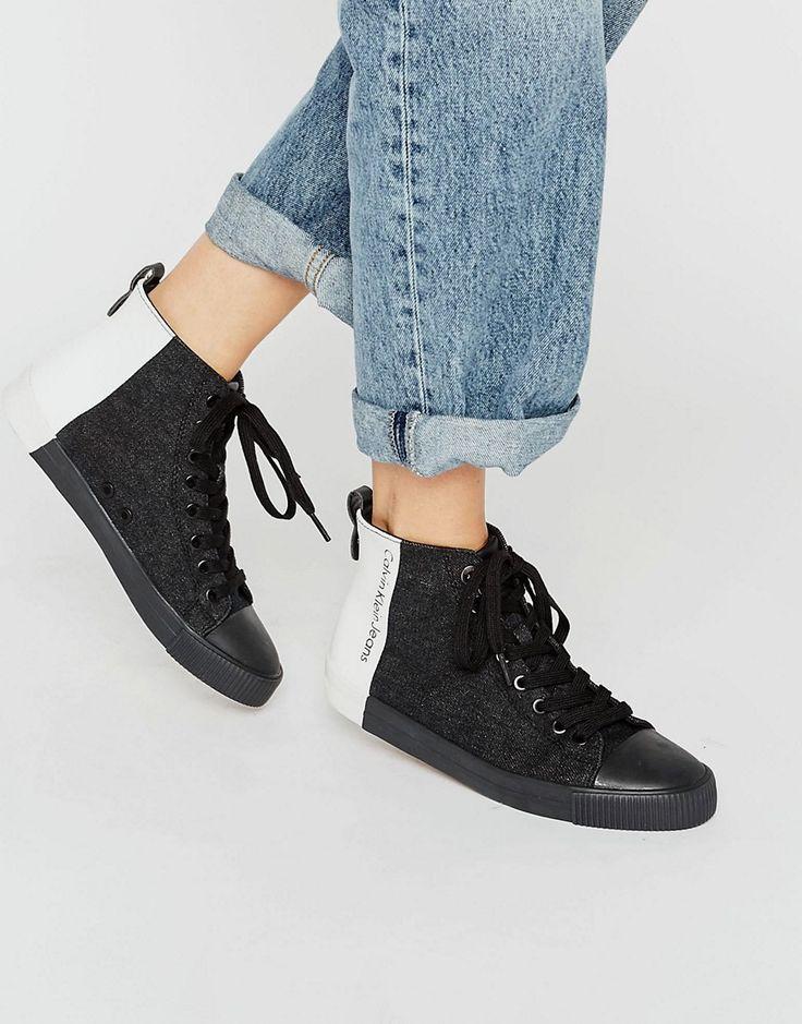 ¡Cómpralo ya!. Zapatillas de deporte hi-top Denice de Calvin Klein Jeans. Zapatillas de deporte de Calvin Klein, Exterior de tela, Cierre de cordones, Borde con forma, Panel en contraste, Logo de la firma, Suela texturizada, Dibujo moldeado, Eliminar las manchas con un paño suave, Exterior: 100% textil. ACERCA DE CALVIN KLEIN El epítome del estilo chic minimalista, Calvin Klein transmite su amor por las líneas puras y sin costuras en la colección de lencería y accesorios de la marca. B...