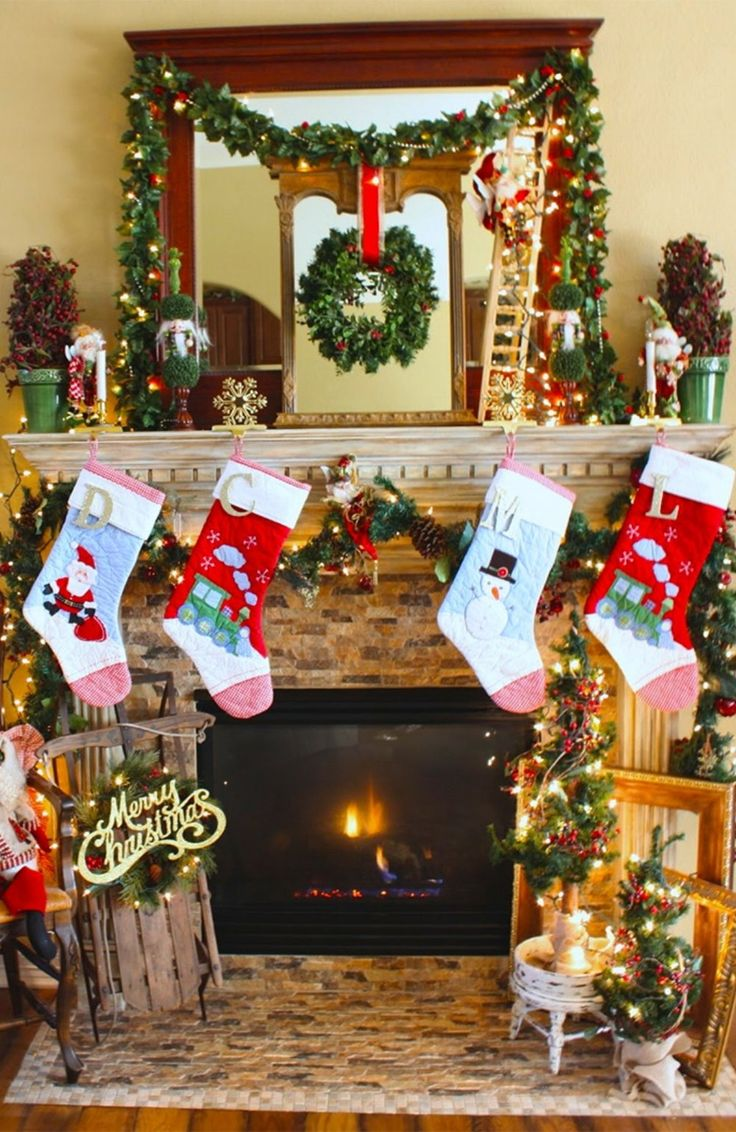 1092 best christmas mantels images on pinterest for Christmas decoration 94