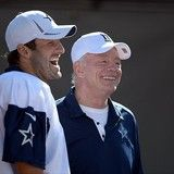 MediaZew: Jerry Jones insists Tony Romo could play despite injury reports