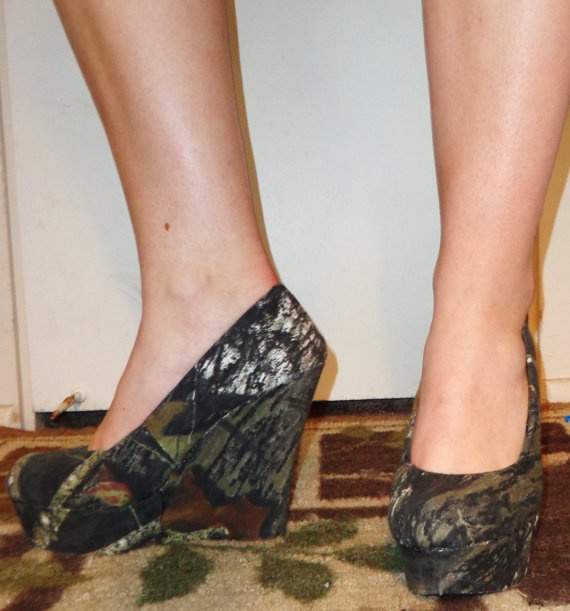 Country+Girl's+Dream++Mossy+Oak+Heels+by+CowboyTakeMeAway+on+Etsy,+$60.00 wedding shoes? Maybe not a wedge though...