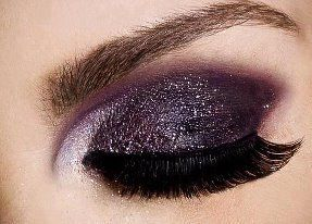 Glittery Purple: Beautiful Makeup, Eye Makeup, Dramatic Eye, Eye Shadows, Purple Glitter, Smoky Eye, Makeup Ideas, Eyeshadows, Dark Purple