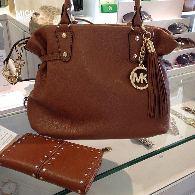 michael kors handbags outlet just need $66.99 #Michael #Kors #Handbags MK bags !!! just need $66.99 !!!!!! ichael Kors Outlet cheap 2014 for you christmas gift ideas