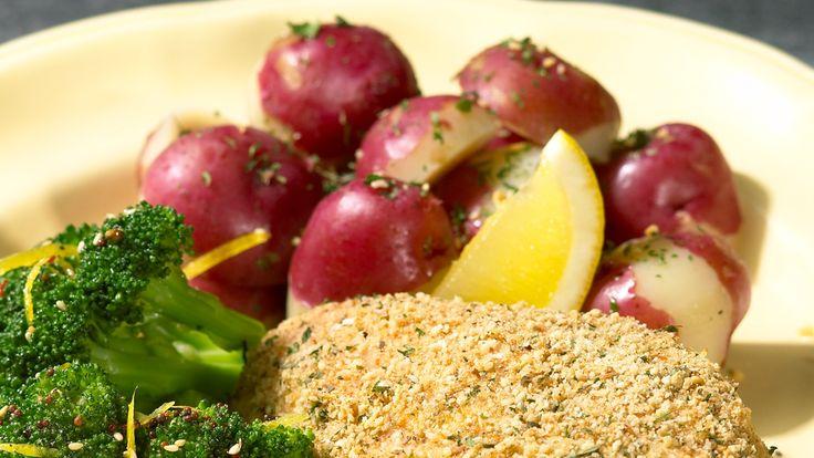 Patates nouvelles avec beurre aux herbes et à l'ail