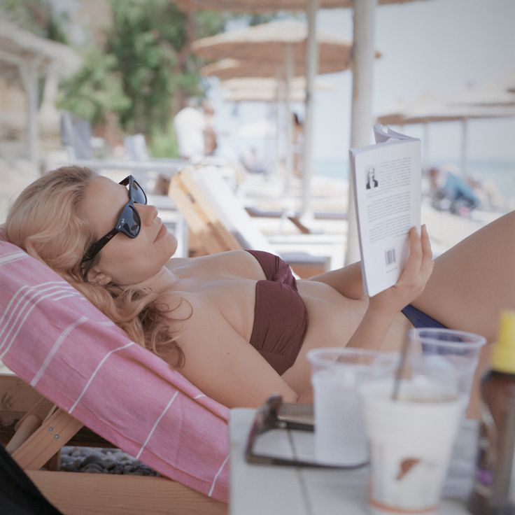 #MichelAtreides #fallingintoadream #colourphotography #shootfilm #kodakportra #portra160 #220film #filmphotography #analoguephotography #film #mediumformat #6x6 #hasselblad #100mm #greece #melissi #korinth #beachgirl
