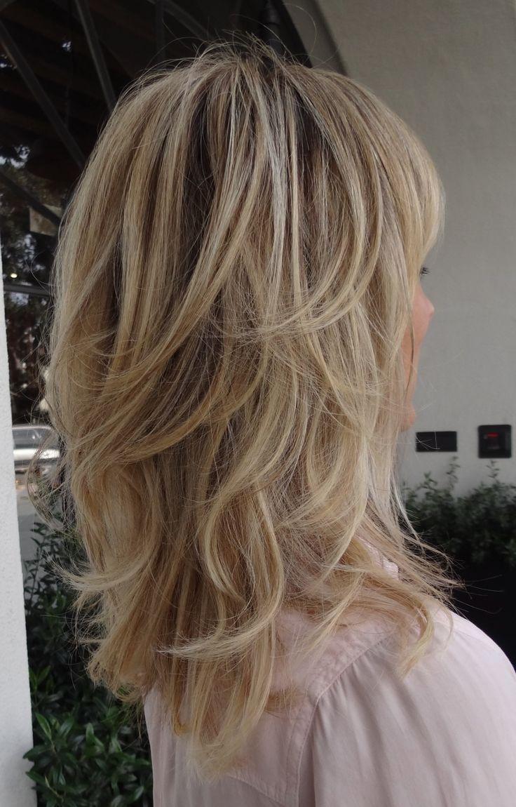 Auf Farbboden Auf Farbboden Frisuren Mittellanges Haar Gestuft Auf Farbboden Auf Farbb In 2020 Gestufter Haarschnitt Haarschnitt Mittellange Haare Haarschnitt