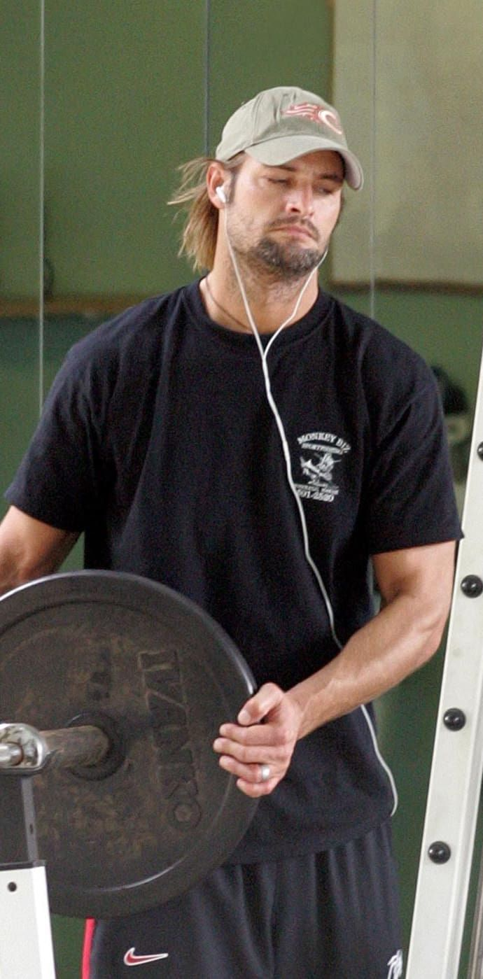 12 Reasons You're Still Stanning For Josh Holloway