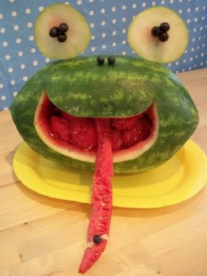 FROGMELON!!!Watermelon Frogs, Fun Food, Healthy Snacks, Food Ideas, Fruit Sculpture, Summer Rolls, Kids Crafts, Kitchens Fun, Kids Food