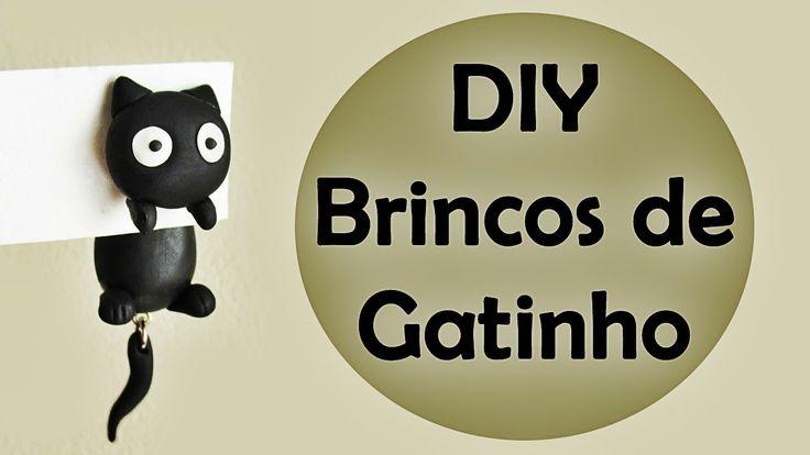No tutorial de hoje eu mostro como fiz um par de brincos, reaproveitando um brinco velho e modelando em biscuit. Post no blog: http://ideasperson.blogspot.co...