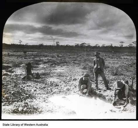 090711PD: Panning for gold at Fly Flat, Coolgardie, 1891. http://encore.slwa.wa.gov.au/iii/encore/record/C__Rb2088621__SFly%20Flat__P0%2C1__Orightresult__U__X6?lang=eng&suite=def