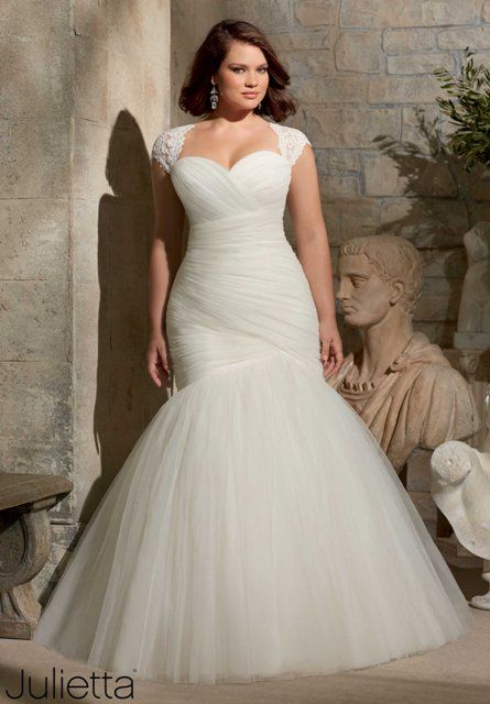 Mori Lee 3176 Plus Size Wedding Dress in ivory tulle. Great mermaid fit with removable lace straps and a corset back is perfection for your hourglass figure
