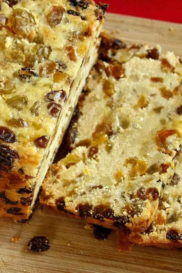 Bremer Klaben (pain de Noël aux fruits secs et aux amandes traditionnel allemand qui est protégé par une Appellation Contrôlée)