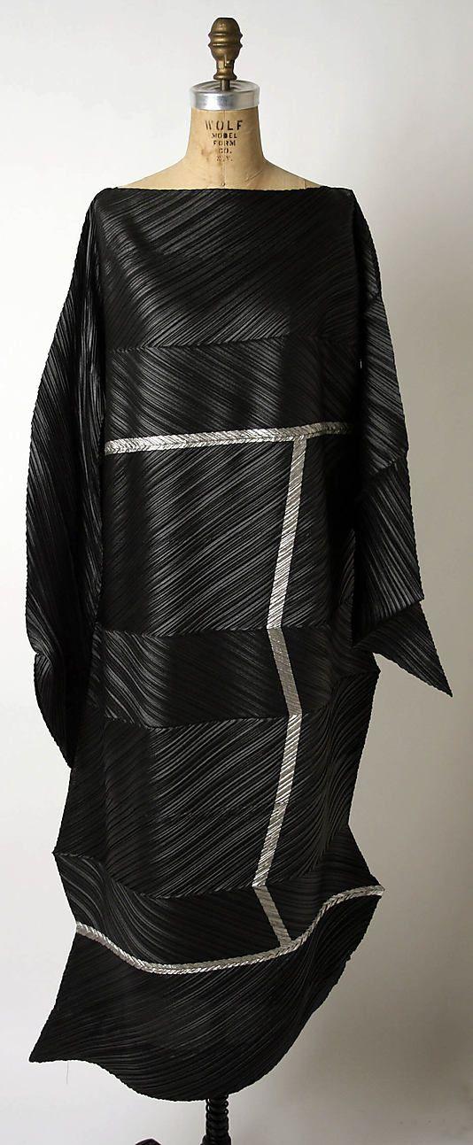 Miyake Design Studio (Japanese) Date: fall/winter 1994–95