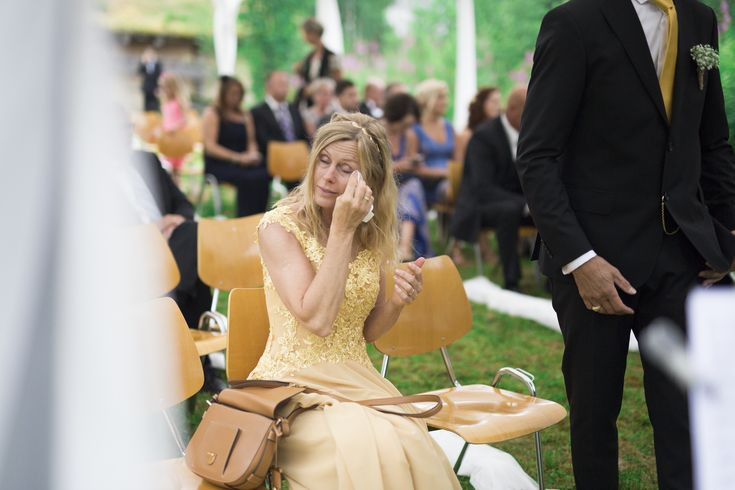 mother of the bride // wedding photography // rustic wedding // norway