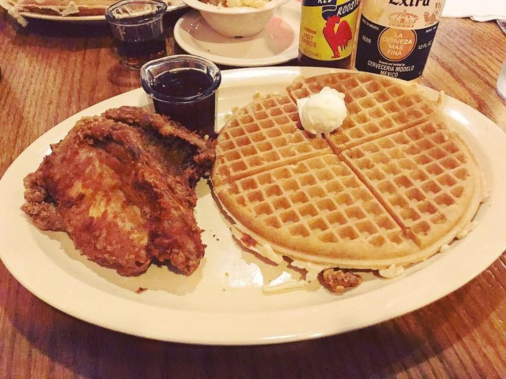 Roscoe's Chicken and Waffles.  Where to find the best chicken and waffles LA -- The Dash and Dine
