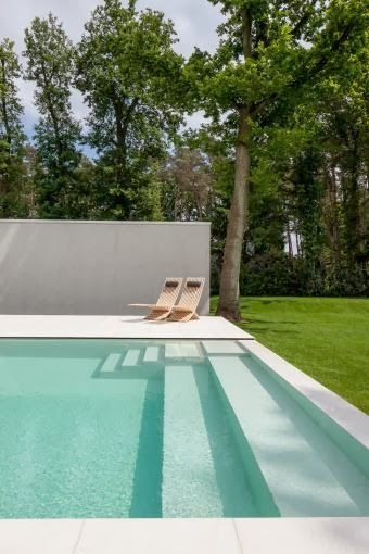 Villa D in Keerbergen, Belgium. Outdoor spaces  by 't Huis van Oordeghem. Photo by Thomas de Bruyne Cafeïne.