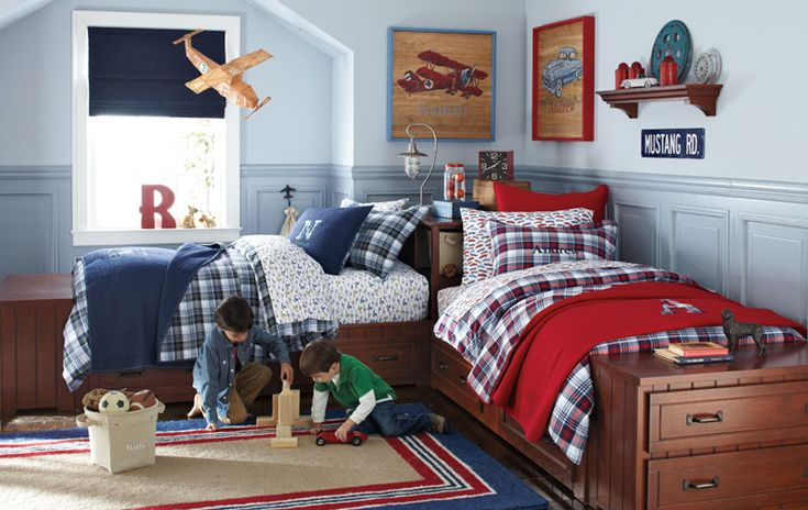 kids sharing a room - love the bed positioning