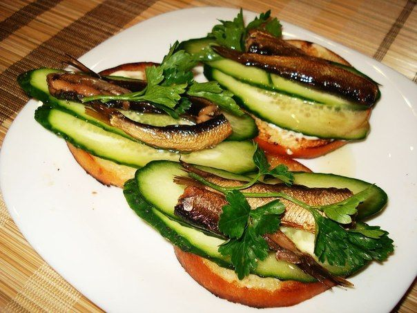 Real Recipes Club | Sandwiches with sprats and cucumber recipe | http://realrecipesclub.com