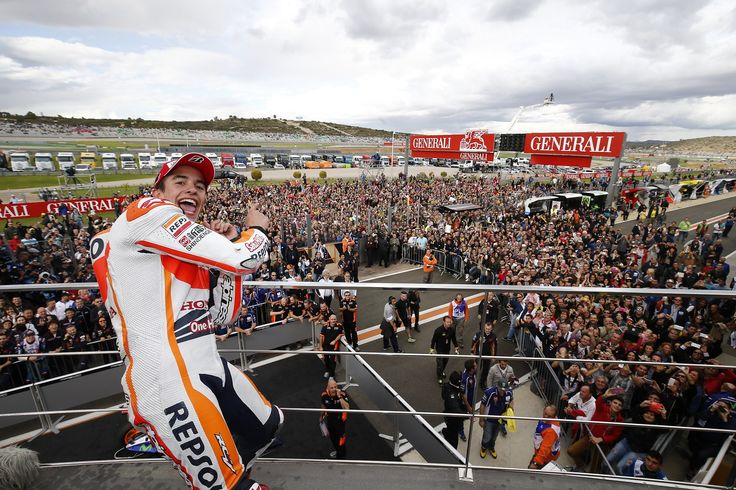 MotoGP: Phenomenal Marquez ends season and superb second place for Valentino Rossi