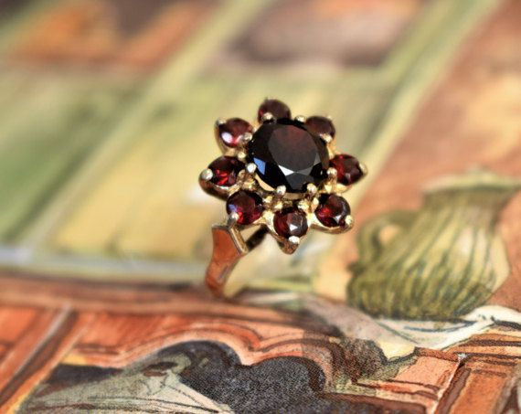 Vintage Daisy Garnet Ring Round Cluster by PrettyDifferentShop