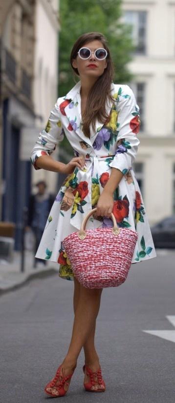 Lunettes de soleil ronde, veste longue imprimés fleuris, Floral