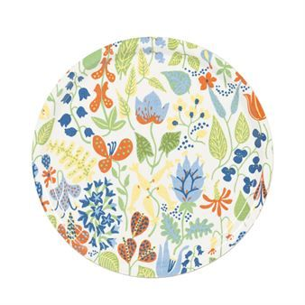 The lovely Herbarium tray from Ljungbergs Factory has a print with Stig Lindbergs famous pattern Herbarium and is perfect for the breakfast or coffee! The Herbarium pattern is like a summer meadow and really brings the summer feelings. Stig Lindbergs original color is blue but the pattern is still as elegant in this modern tint!
