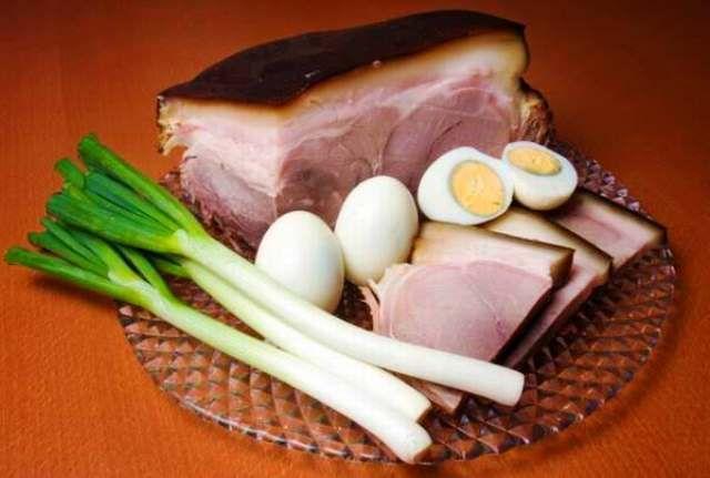 Hogyan készül a legjobb húsvéti sonka? Mitől lesz tökéletes a húsvéti sonka? A most következő cikkben megmutatom a legjobb húsvéti sonka receptjét, próbáld ki te is!