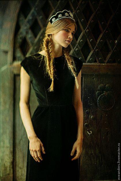 Кокошник Anna - чёрный,кокошник,Шелковый бархат,натуральный бархат,ручная вышивка