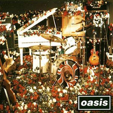"""DonŽt Look Back In Anger   -   Un exito imagineable!!! : [b]Dont look Back In Anger[/b]    Era absolutamente memorable, una gran balada interpretada de forma maravillosa por Noel y con una introducción de piano tomada directamente del Imagine de John Lennon y una letra que hacía referencia a las históricas protestas """"en la cama"""" que John y Yoko protagonizaron a comienzos de los años setenta.  La canción es encantadora desde los primeros ..."""