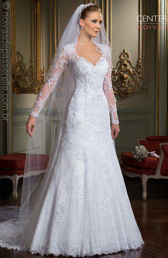 O corte do vestido é a base para todos os outros detalhes, do decote á cauda. Deve respeitar o corpo da noiva e também a proposta do casamento.