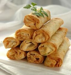 Vegetable Springrolls using Phillips AirFryer: Brush the spring rolls with a little oil and bake for 10 minutes or until the pastry has a golden color. Alternatively, place in the basket of the Air Fryer and bake at 200C for about 5-8 minutes.