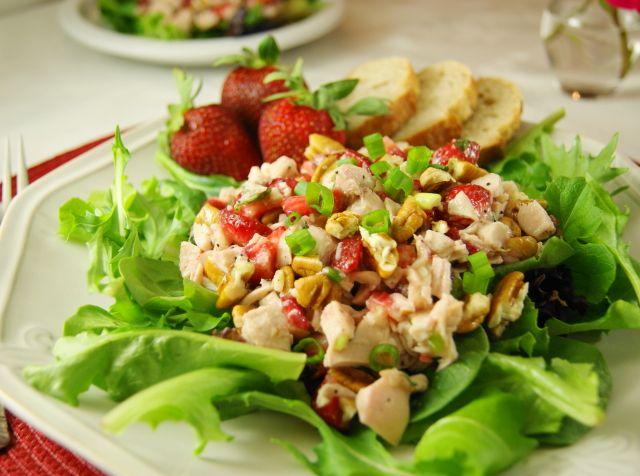 Strawberry Chicken Salad - dressed with poppy seed dressing instead of mayo!   www.thekitchenismyplayground.com