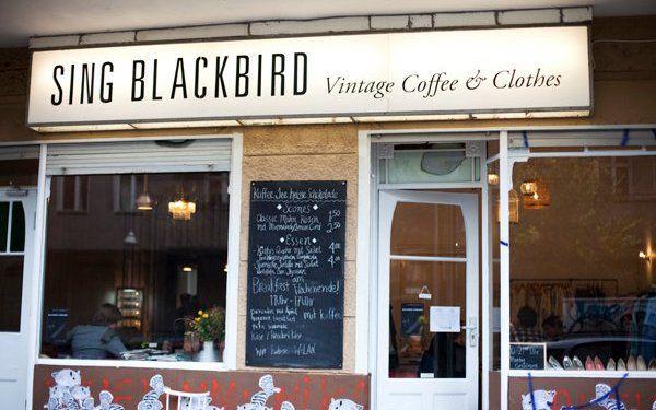 sing-blackbird-cafe / vintage clothing shop in kruezberg