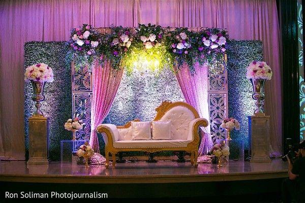 Delightful Indian Wedding Reception Stage Decor Https Www Maharaniweddings