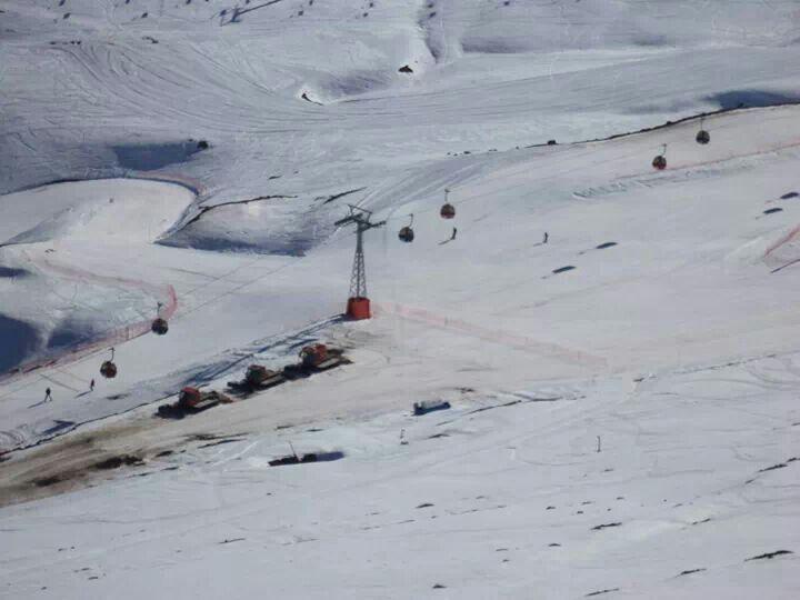 Andaribel y pista de esqui. Valle Nevado.