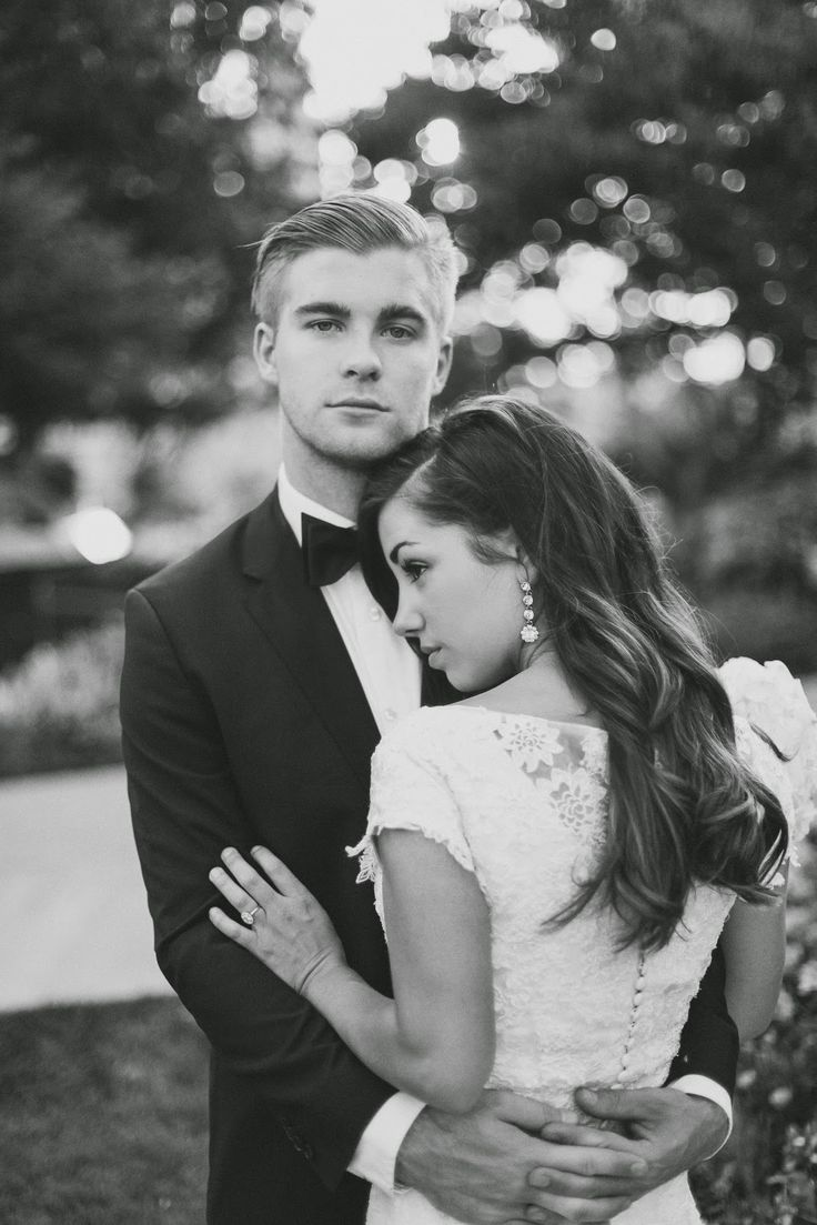 Best 25 prom poses ideas on pinterest prom pictures couples prom pics and prom pictures - Pose photo mariage ...