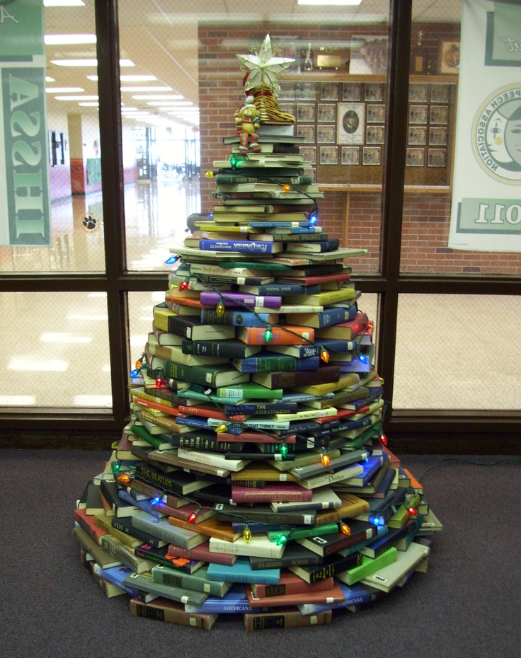 Christmas Ideas For School Libraries : Red oak high school media center s christmas tree