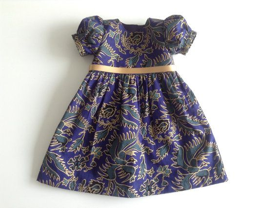 Baby batik party dress. Christmas dress. by FabriqueDeLimonade