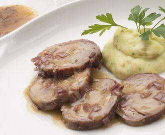 Milhojas de cerdo ibérico con salsa de jamón, un plato para ocasiones especiales como Nochevieja