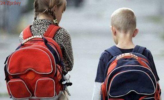 Děti zameškaly ve škole 700 hodin, rodičům hrozí pět let vězení