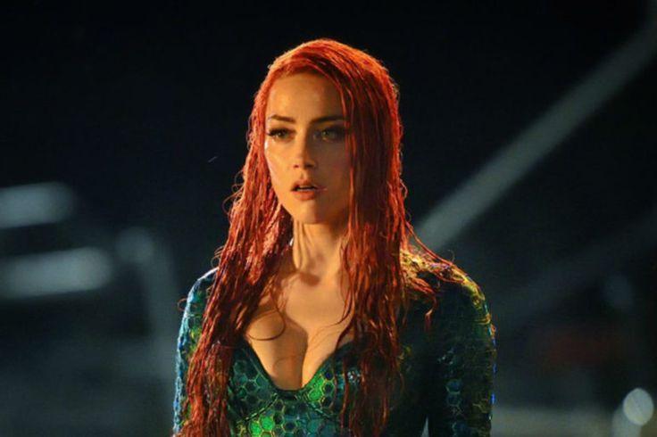 Μπορεί το Aquaman να μην παίξει στους κινηματογράφους μέχρι τον Δεκέμβριο του 2018, αλλά αυτό δεν σταμάτησε τον James Wan απ' το να μοιραστεί με τους οπαδούς της ταινίας μερικές καυτές φωτογραφίες με την Amber Heard και την εκπληκτική στολή της.