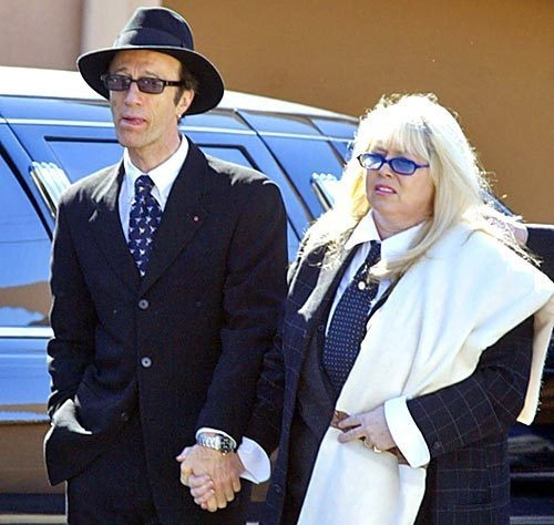 Robin Gibb arrives at a memorial service for Maurice Gibb, 53, at the Riverside Funeral Chapel in Miami Beach on Jan. 15, 2003. The singer died Jan. 12 in a Miami Beach hospital after emergency surgery.