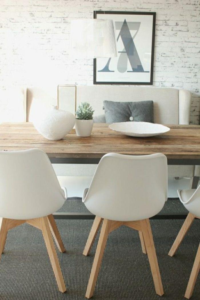 une jolie table de cuisine en bois massif, meubles de salle de séjour moderne