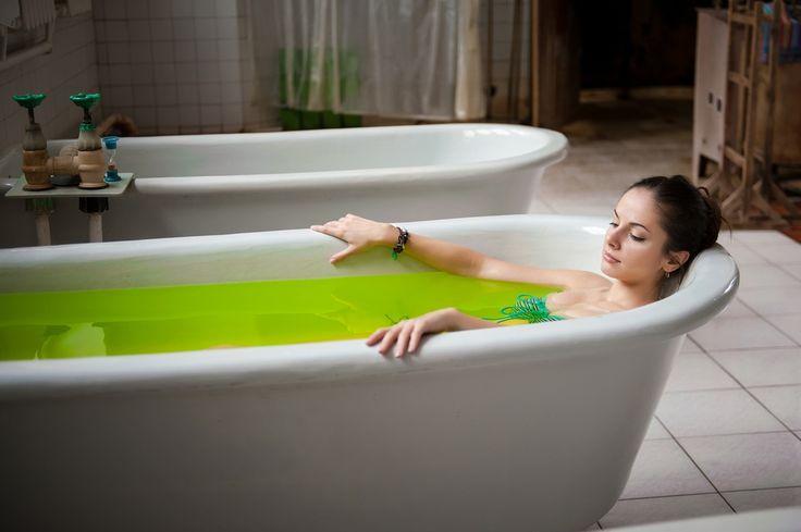 Солевые ванны: как устроить для кожи зимний детокс?  Источник: http://organicwoman.ru/solevye-vanny-kak-ustroit-dlya-kozhi-zi/ © organicwoman.ru
